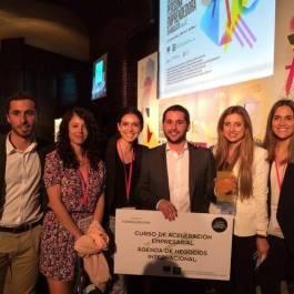 Parte del equipo de Solbyte tras recibir el Premio Autonómico de Andalucía Emprende 2015